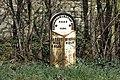 Milepost at Stone - geograph.org.uk - 1242124.jpg
