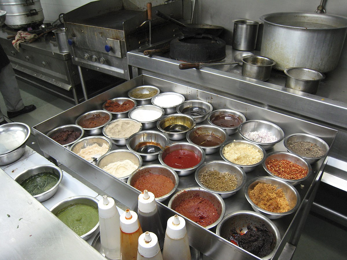 Mise en place wikipedia for Kitchen set up for restaurant