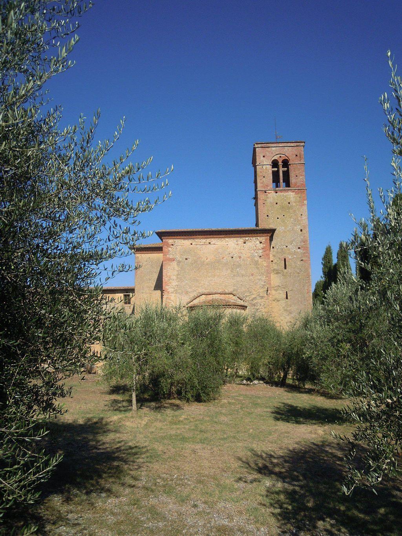 Monastero di Sant'Anna in Camprena, chiesa abbaziale, veduta posteriore