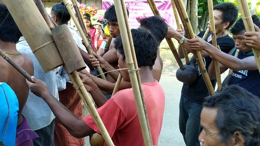 File:Mru women performing the Chiasotpoi dance.webm