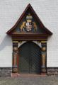 Muecke Sellnrod Kirche portal.png