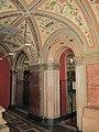 Museo stieglitz, loggia presso scalinata.JPG