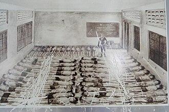 Cambodian genocide - Image: Museum fash gen