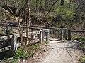 National Blue Trail, footbridge over Ördög-árok, 2017 Hűvösvölgy.jpg
