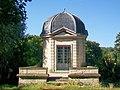 Neuville-sur-Oise (95), pavillon d'Amour, dans l'ancien parc du château.jpg