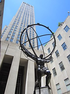 public statue of Atlas at the Rockefeller Center