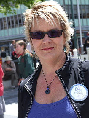 Nicky Wagner - Wagner campaigning against the Electoral Finance Bill, in Christchurch, 28 November 2007