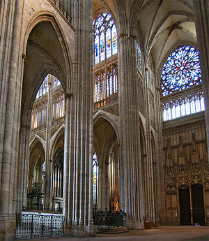 Church of St. Ouen, Rouen - At the transept crossing