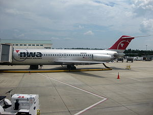 Destin–Fort Walton Beach Airport - Northwest Airlines DC-9-30 at VPS