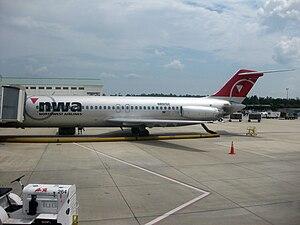 Destin–Fort Walton Beach Airport - Northwest Airlines DC-9-30 at VPS
