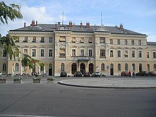 Transalpina Square