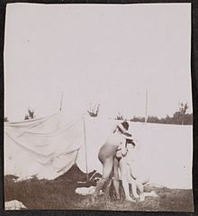 Nude Models Posing for a Painting Class 2 by Adolf de Meyer 1890.jpg