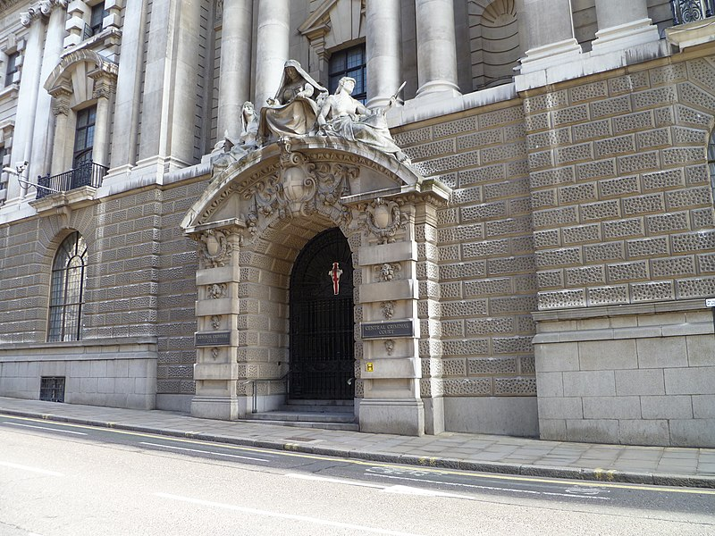 File:Old Bailey entrance.JPG