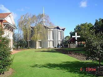 Wesley College (Western Australia) - Image: Old Boys' Memorial Chapel and Rose Garden, Wesley College, Perth