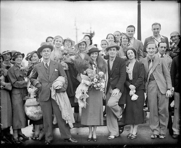 Файл: Ольга Spessiva, прима-балерина, а Dandre-Levitoff компании, Сидней, 1934 фотограф Сэм Гуд .. JPG