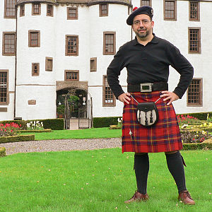 Oliver (Scottish surname) - Oliver kilt