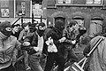 Ontruiming kraakpand Singel 114 Amsterdam actievoerder met bivakmutsen, Bestanddeelnr 933-1249.jpg