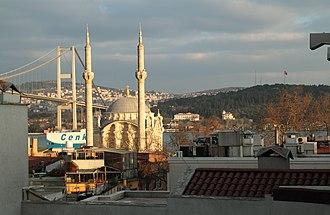 Ortaköy Mosque - Image: Ortakoy mosque bosporus bridge