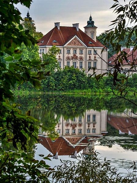 File:Otwock Wielki - Pałac.jpg