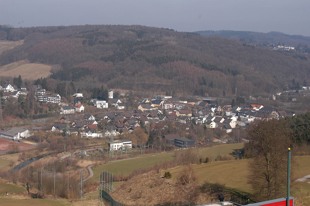 Datei Overath Untereschbach Vom Luederich Aus Gesehen Jpg Wikipedia