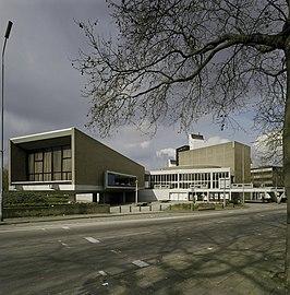Stadsschouwburg Nijmegen gezien vanaf Nassausingel