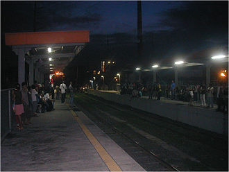 Paco railway station - Platform area of Paco station