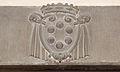 Palazzo vecchio, cortile della dogana, stemma medici su portale.JPG
