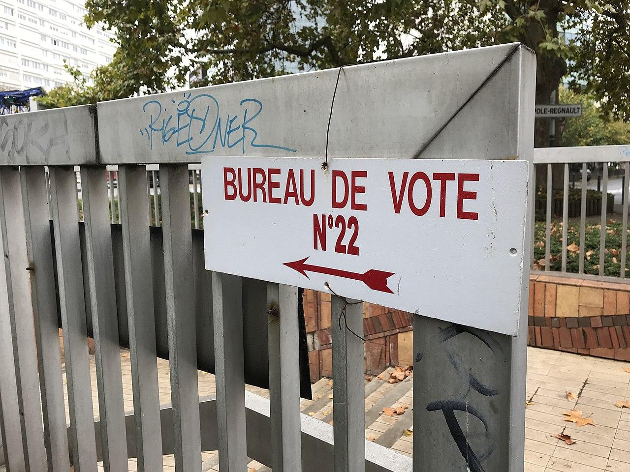File Panneau Bureau De Vote Numero 22 A Courbevoie Hauts