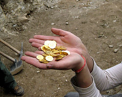 Part of Hoard thet was found in City of David.jpg