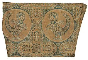 Samite - Pheasant roundels on  silk samite fragment, Central Asia, 7th or 8th century
