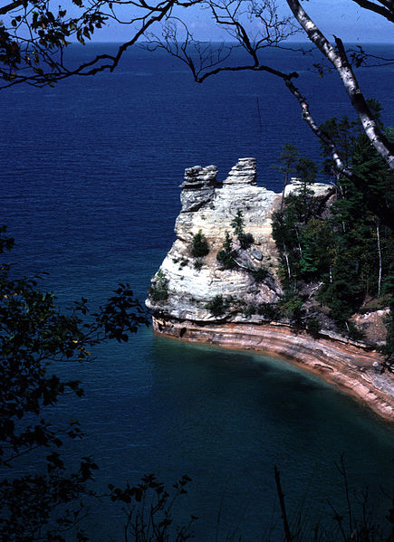 File:Pictured Rocks National Lakeshore MINRSC-1.jpg