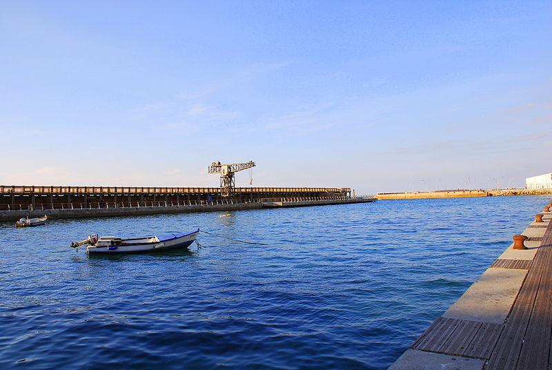 Tel aviv boardwalk harbor