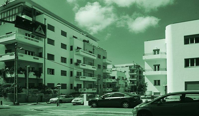 תל-אביב