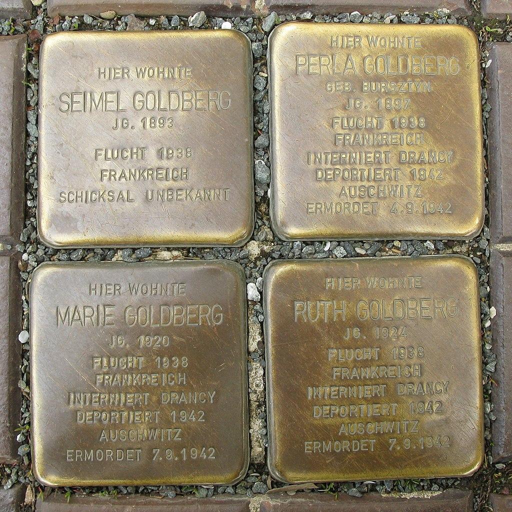 Plauen, Stolperstein Familie Goldberg - Neundorfer Straße 16.jpg