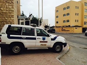 Law enforcement in Qatar - Image: Police car from Qatar 02