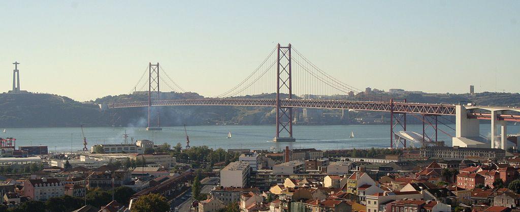 Vue sur le pont du 25 avril à Lisbonne - Photo de Soska