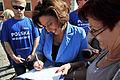 Posłanka Małgorzata Kidawa - Błońska także rozdawała autografy (6124222996).jpg