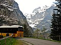 Postbus auf dem Weg zur Grossen Scheidegg und Blick in das Tal des Oberen Grindelwaldgletschers - panoramio (1).jpg