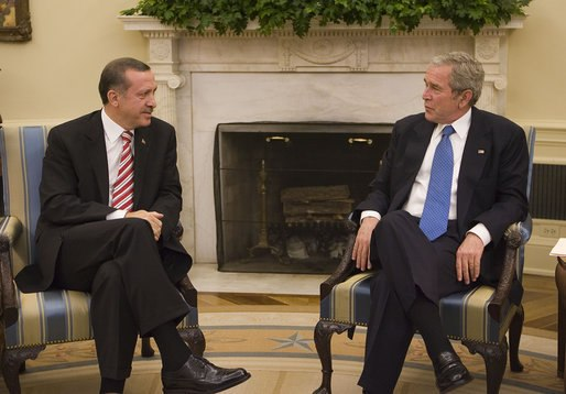President George W. Bush meets with Prime Minister Recep Tayyip Erdogan of Turkey Monday, Nov. 5, 2007, in the Oval Office.