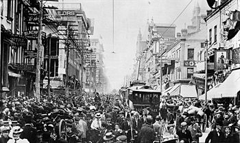 urban population boom 1860 1900 Biggest population boom ever  1900-1910 the great wave of immigration began in 1880 but exploded into peak numbers during the first decade of the century .