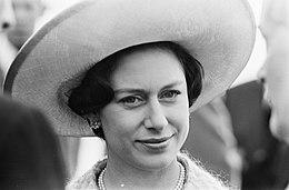 Prinses Margaret , Lord Snowdon en Prins Bernhard in de Hoovercraft, Prinses Mar, Bestanddeelnr 917-7816.jpg
