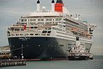 Queen Mary 2 vs Zemira (8577445572) (2).jpg