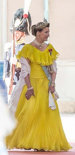 Queen Sonja of Norway in 2015.jpg