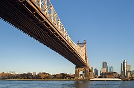 Queensboro Bridge from the south (41939).jpg