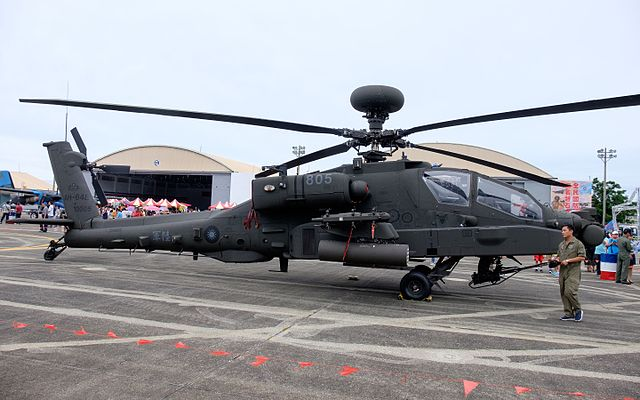 640px-ROCA_AH-64E_805_Display_at_Hualien_Air_Force_Base_20160813a.jpg