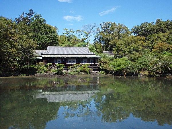 楽寿園 - Wikipedia