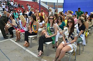 Trujillo Spring Festival - Image: Reinas Waripolas Envictor Larco Peru