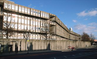 Alison and Peter Smithson - Robin Hood Gardens housing complex, Poplar, East London, completed 1972