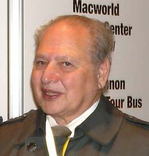 Ronald Wayne - Wayne at Macworld 2009