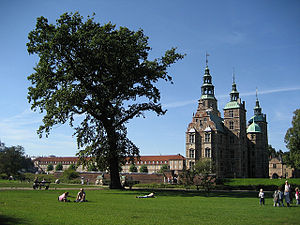 Rosenborg Castle Gardens - Image: Rosenborg Castle garden and barracks